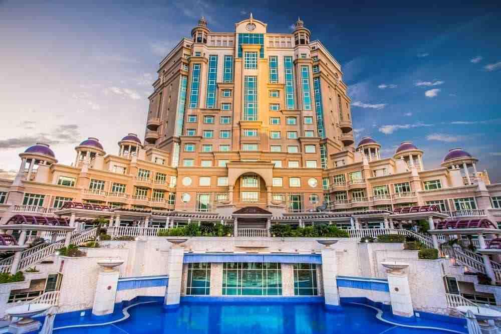 阿联酋迪拜阿尔穆如罗塔娜酒店Al Murooj Rotana Hotel